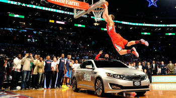 Blake-griffin-jumps-over-car-dunk-contest-picture_display_image