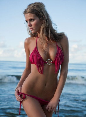 Brooklyn_decker_hot_girl_swimsuit_display_image