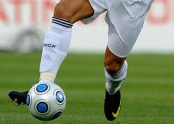 Footballerslegs_display_image