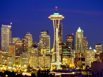 Seattle_skyline_at_night_with_the_needle_washington_usa_display_image