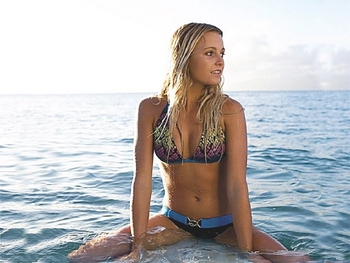 Alana_blanchard_thesocialnewspaper-35_display_image