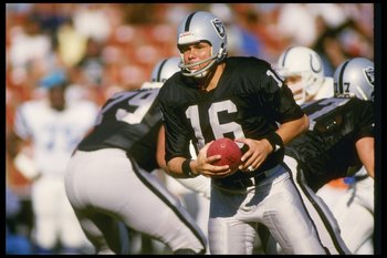 Jim Plunkett led the Raiders to victory in Super Bowl XV.