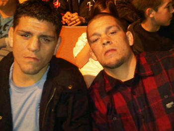 Nick-diaz-nate-diaz-crowd-picture2_display_image