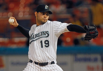 MIAMI GARDENS, FL - SEPTEMBER 26:  Anibal Sanchez #19 of the Florida Marlins pitches during a game against the Washington Nationals at Sun Life Stadium on September 26, 2011 in Miami Gardens, Florida.  (Photo by Mike Ehrmann/Getty Images)