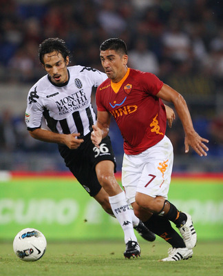 Pizarro (right) v Sienna