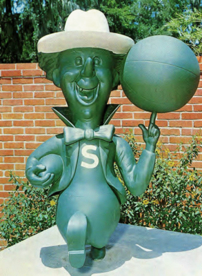 Stetsonhatterstatue_display_image