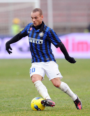 LECCE, ITALY - JANUARY 29:  Wesley Sneijder of Inter in action during the Serie A match between US Lecce and FC Internazionale Milano at Stadio Via del Mare on January 29, 2012 in Lecce, Italy.  (Photo by Giuseppe Bellini/Getty Images)