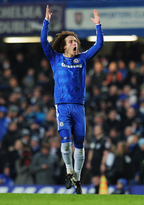 LONDON, ENGLAND - FEBRUARY 05:  David Luiz of Chelsea celebrated as he scores their third goal during the Barclays Premier League match between Chelsea and Manchester United at Stamford Bridge on February 5, 2012 in London, England.  (Photo by Shaun Botte