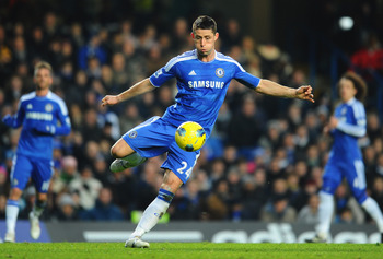 LONDON, ENGLAND - FEBRUARY 05:  Gary Cahill of Chelsea in action during the Barclays Premier League match between Chelsea and Manchester United at Stamford Bridge on February 5, 2012 in London, England.  (Photo by Mike Hewitt/Getty Images)