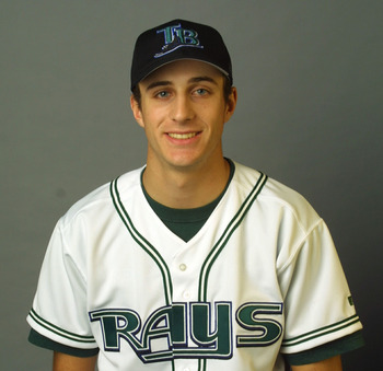 Baldelli during team pictures in 2002.