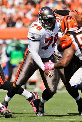 CINCINNATI, OH - OCTOBER 10: Jeremy Zuttah #76 of the Tampa Bay Buccaneers blocks against the Cincinnati Bengals at Paul Brown Stadium on October 10, 2010 in Cincinnati, Ohio. (Photo by Jamie Sabau/Getty Images)