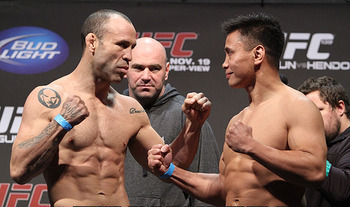 Wanderlei Silva (left) squaring off with Cung Le/ photo cred: Scott Petersen for MMAWeekly.com