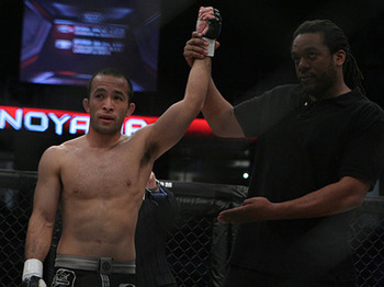 Darren Uyenoyama (left)/ photo cred: Scott Petersen for MMAWeekly.com