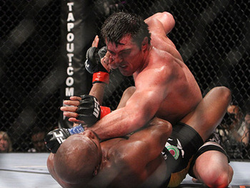 Sonnen atop Silva/ Scott Petersen for MMAWeekly.com