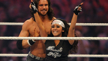 470_snooki_wrestlemania_110404_display_image