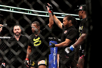Rashad Evans (second to the left)/ Jeff Cain for MMAWeekly.com