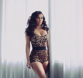 26kimkardasian_display_image