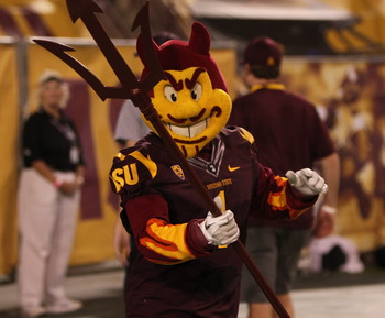Sparky_the_sun_devil_vs_usc_2011_display_image