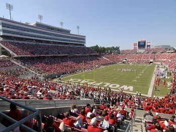 North-carolina-state-football-carter-finley-stadium-full-of-wolfpack-fans-ncs-f-x-00029lg_display_image