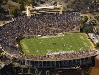 Vanderbilt-university-football-2008-season-gameday-at-vanderbilt-stadium-van-f-2008-00046lg_display_image