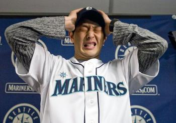 Mariners-hasashi-iwakuma-attends-fan-fest-in-seattle_1_display_image