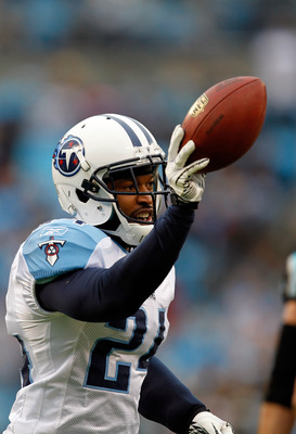 CHARLOTTE, NC - NOVEMBER 13:  Chris Hope #24 of the Tennessee Titans celebrates after making an interception against the Carolina Panthers during their game at Bank of America Stadium on November 13, 2011 in Charlotte, North Carolina.  (Photo by Streeter