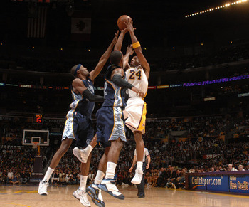 Basketball-kobe-bryant-fade-away_display_image