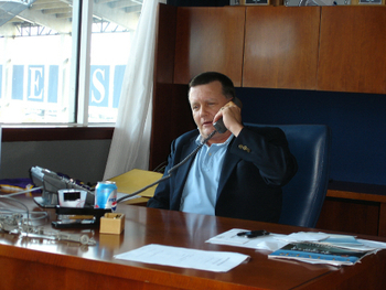 """Cashman, $189 million and not a penny more!"" says Hank Steinbrenner."