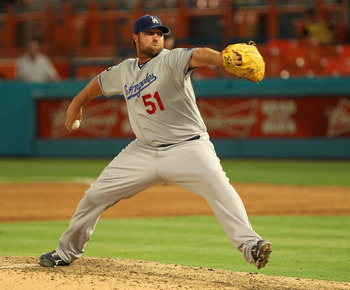 Jonathan Broxton will try to resurrect his career in Kansas City.