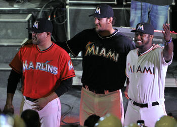 Miamimarlinuniform2_display_image