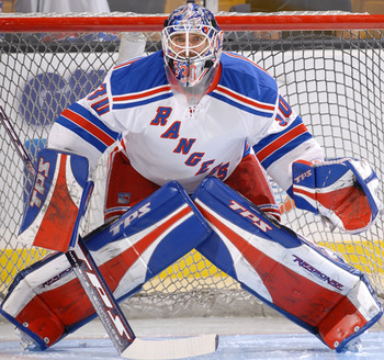 Henrik-lundqvist-crossed-pads_display_image