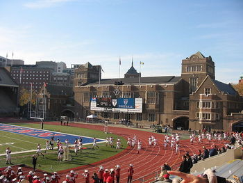 800px-franklinfield_display_image