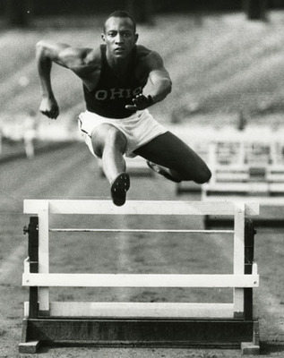 1935_owens_jesse_display_image