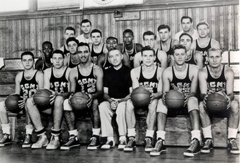 1949_50_ccny_bball_display_image