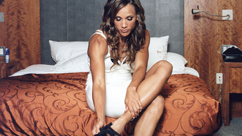 576x324_lolo_jones_display_image