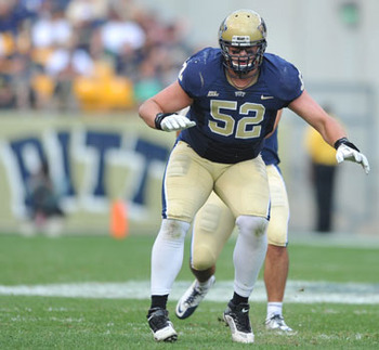 Lucas Nix (52), starting Right Guard for the Pittsburgh Panthers.