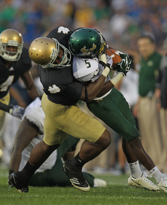 Darius Fleming making the tackle for Notre Dame