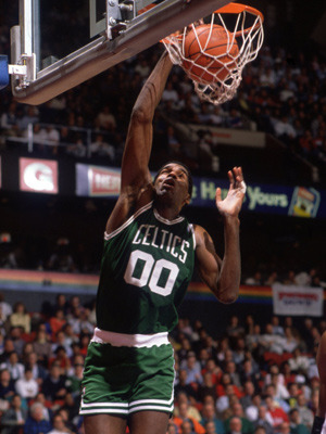 Robert-parish-dunk300400_display_image