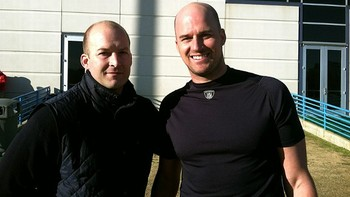 Nfl_hasselbeck_bros_576_display_image
