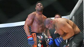 Overeem (left) after submitting James Thompson/ Daniel Herbertson for Sherdog.com