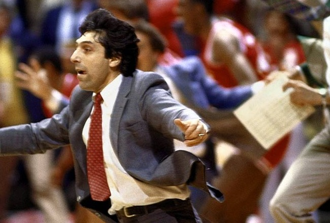 Jim-valvano-hug_original_crop_650x440