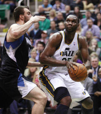 Utah-jazz-center-al-jefferson-25-works-on_display_image