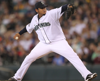 SEATTLE - SEPTEMBER 18:  Starting pitcher Felix Hernandez #34 of the Seattle Mariners pitches against the Texas Rangers at Safeco Field on September 18, 2011 in Seattle, Washington. (Photo by Otto Greule Jr/Getty Images)