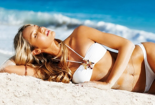 Bar_rafaeli_at_beach-1280x800_crop_650x440