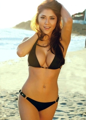 Ariannyceleste1_display_image