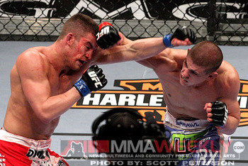 Sam-stout-joe-lauzon-3254-ufc-108_display_image
