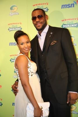 Lebronsavannahengaged2_display_image