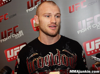 picture courtesy of mmajunkie.com