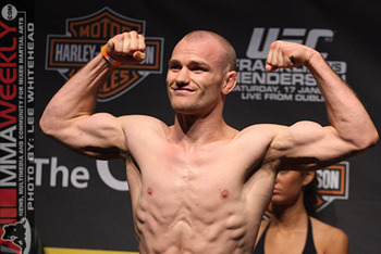 Martin Kampmann will defeat Thiago Alves Friday night.