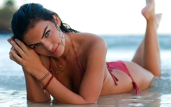 Alyssa-miller-feet-371383_display_image